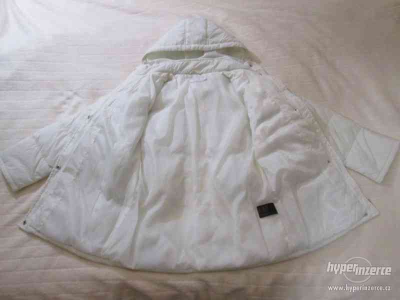 ZIMNÍ KABÁT - bunda s kapucí , zn.SLC, vel. 152 (bílá) - foto 4
