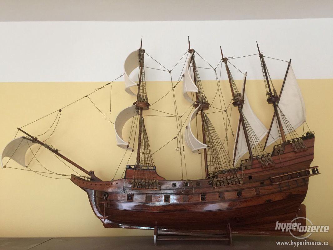 Dřevěný model námořní lodě - foto 1