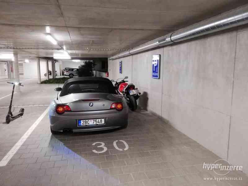 Parkovací stání - Motorka, IBC, adresa Milady Horákové 23 - foto 1