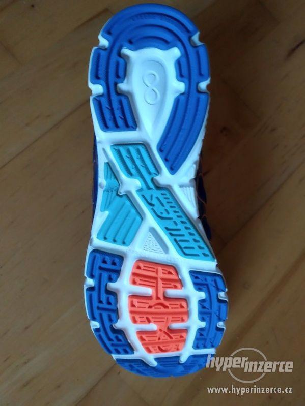 Silniční běžecké boty Salming Miles Men 43 1/3 EUR (8.5UK) - foto 2
