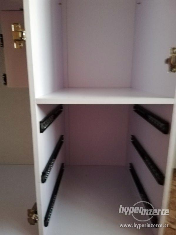 Nábytek do dětského pokoje - dívčí - foto 10
