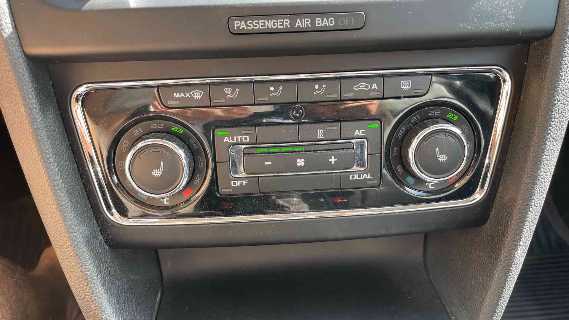Škoda Superb 3.6 FSI V6 191kW 4x4 L&K - foto 21