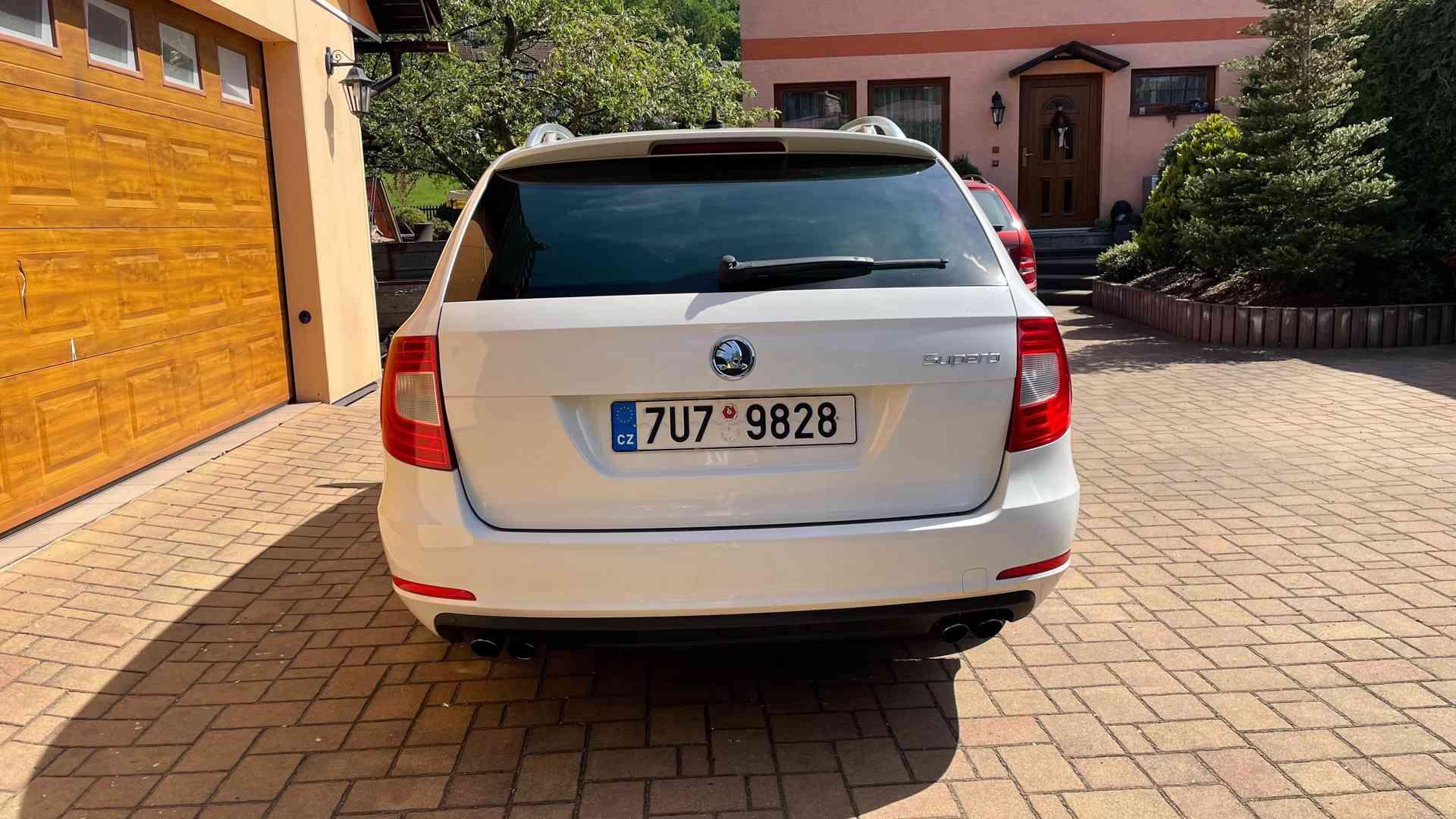 Škoda Superb 3.6 FSI V6 191kW 4x4 L&K - foto 4