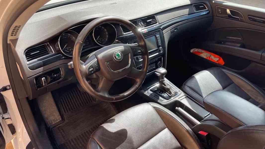 Škoda Superb 3.6 FSI V6 191kW 4x4 L&K - foto 9