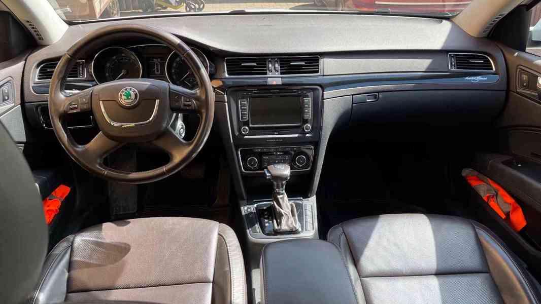 Škoda Superb 3.6 FSI V6 191kW 4x4 L&K - foto 14