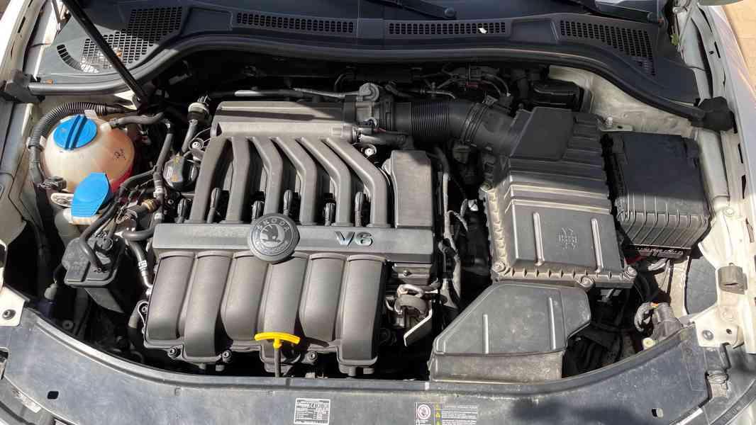 Škoda Superb 3.6 FSI V6 191kW 4x4 L&K - foto 24