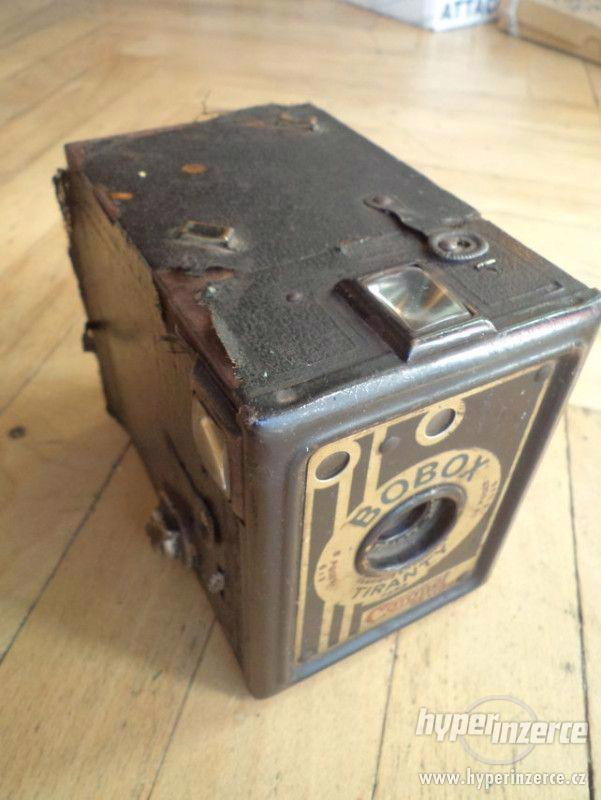 Historický Fotoaparát Coronet de Luxe (BOBOX, Tyranty) - foto 1
