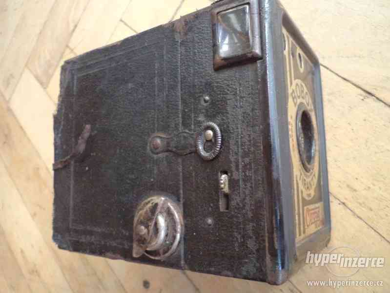 Historický Fotoaparát Coronet de Luxe (BOBOX, Tyranty) - foto 4