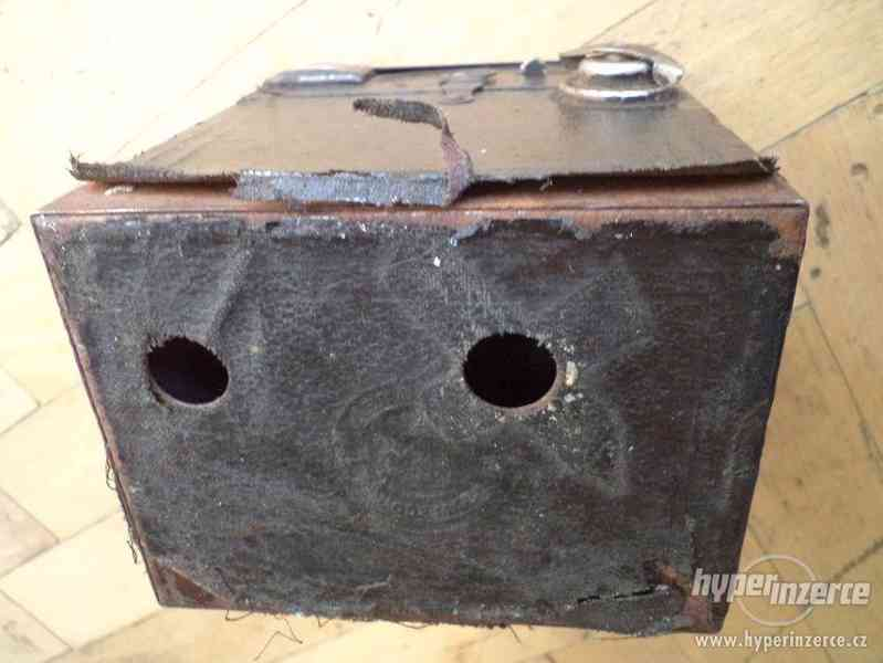 Historický Fotoaparát Coronet de Luxe (BOBOX, Tyranty) - foto 5