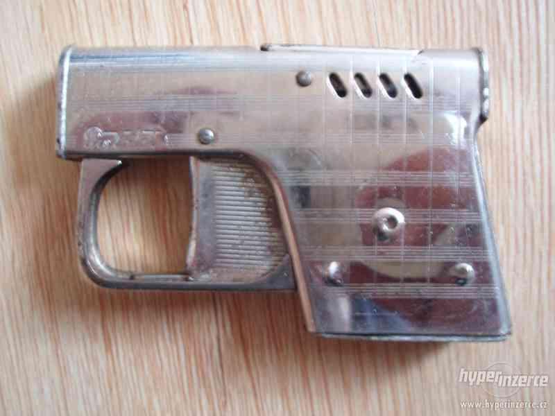 Zapalovač pistolka a Rakušák