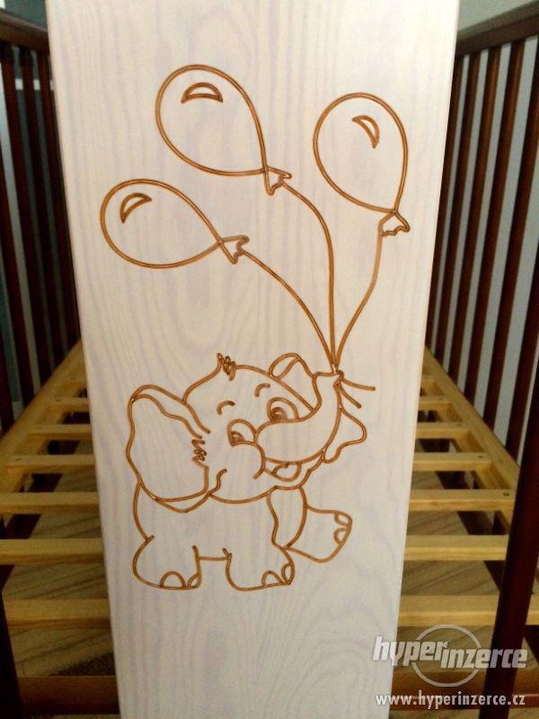 Dřevěná dětská postýlka TOMI slon - foto 4