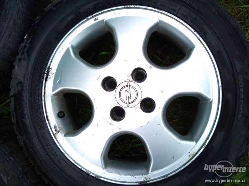 "Litá kola 15"" 4x100 - orig. Opel Astra - jen 3 kusy - foto 3"