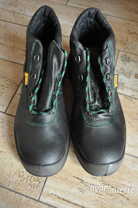 Nové pánské pracovní boty, zn.Panda Safety, vel.44