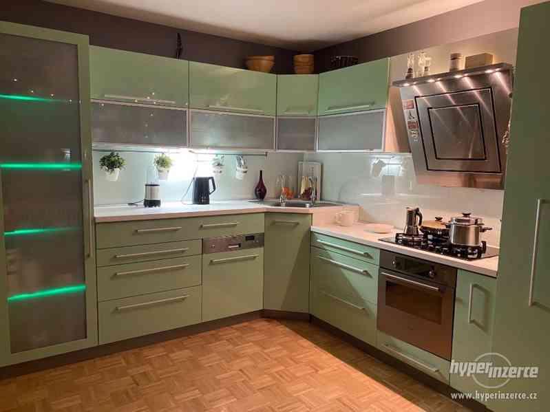 Luxusní Kuchyňská linka a Spotřebiče - foto 2