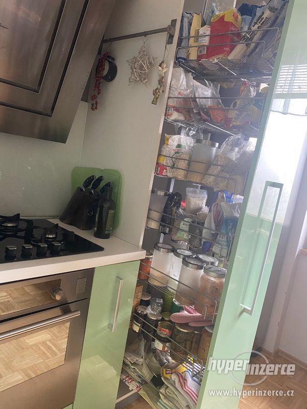 Luxusní Kuchyňská linka a Spotřebiče - foto 5