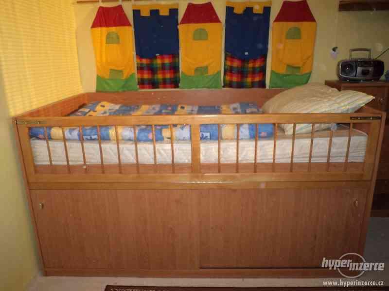 Prodám vyvýšenou postel