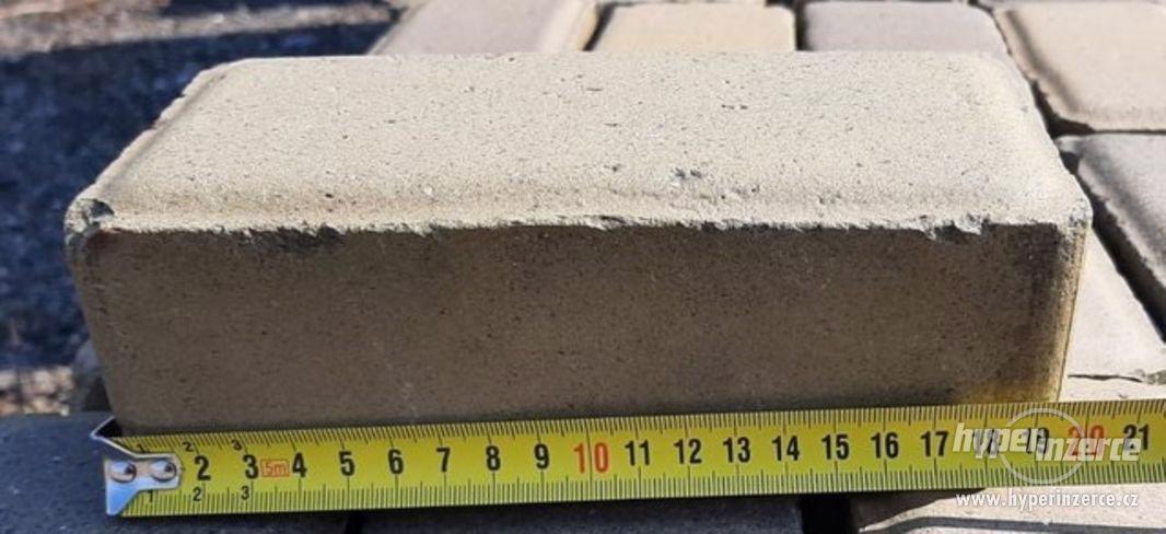 Dlažba betonová žlutá rozměry viz fotografie (14977.) - foto 2