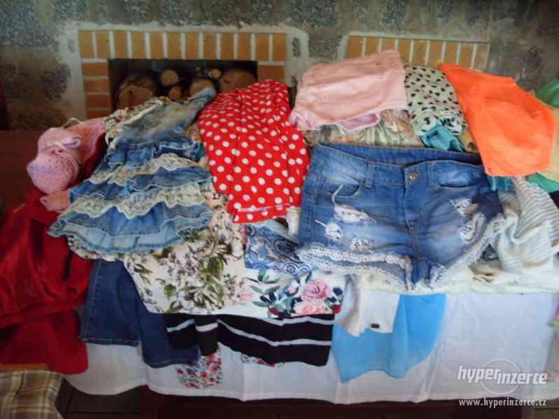 Oblečení 97 ks velikost 36