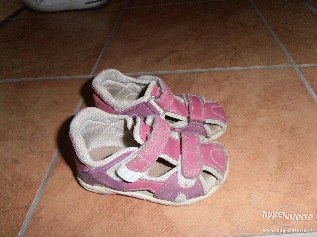 Dívčí sandálky - foto 1