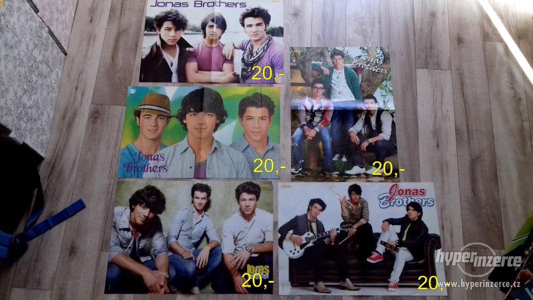 Prodám sbírku plakátů JONAS BROTHERS