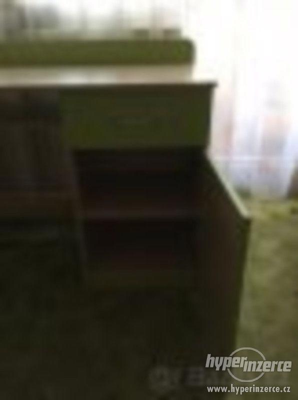 psací stůl - foto 4