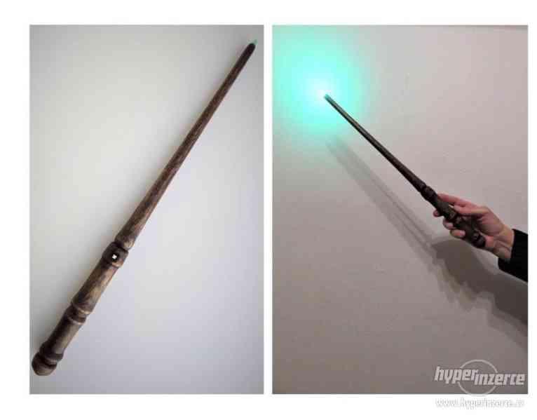 Svítící kouzelnické hůlky ze dřeva