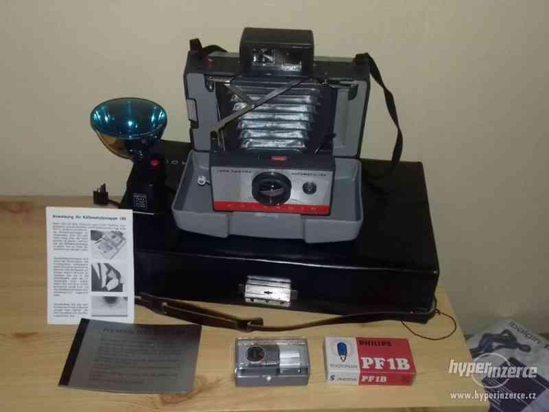 Polaroid 104 v kufříku s příslušenstvím