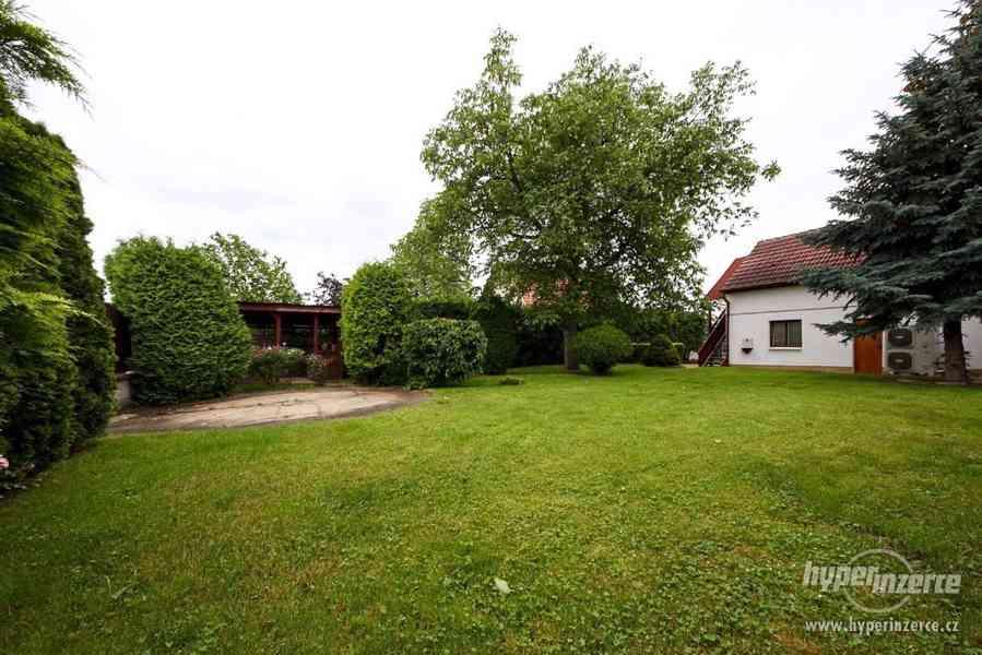 Pronájem části domu se zahradou - foto 2