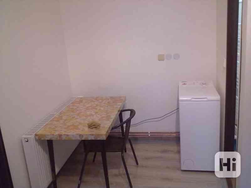 Pronájem vybaveného bytu 1+1, v Přáslavicích  u Olomouce - foto 12