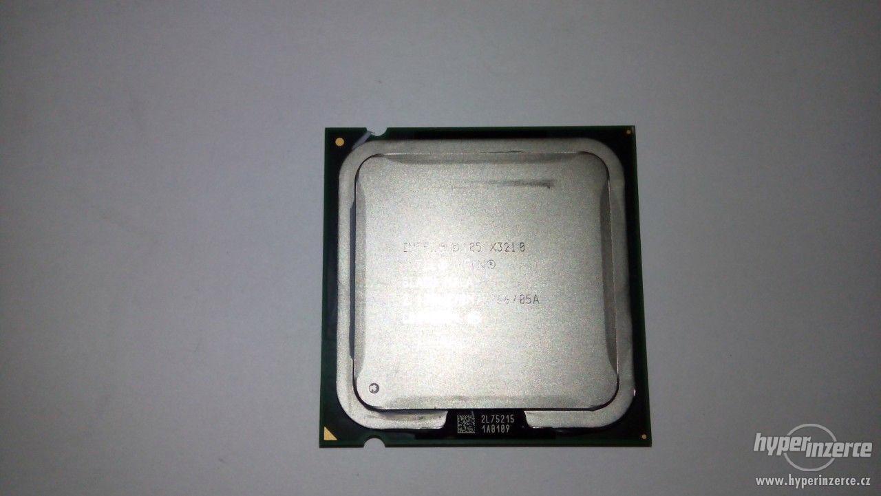 Procesor Intel Xeon X3210 2,13 GHz 4-jadrový - foto 1
