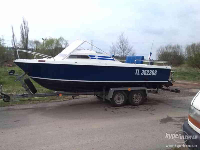 Kajutová (kajutový ) lod + vestavný motor 99 Kw Volvo-Penta