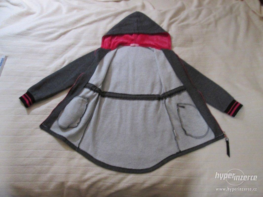 DÍVČÍ BUNDA - KABÁT s kapucí (jaro-podzim), vel. 140- 146 - foto 1