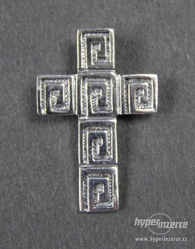Křížek - stříbrný přívěšek - foto 1