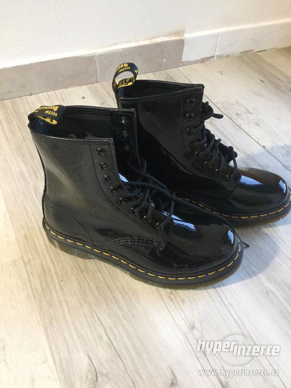 Dámské černé boty Dr. Martens