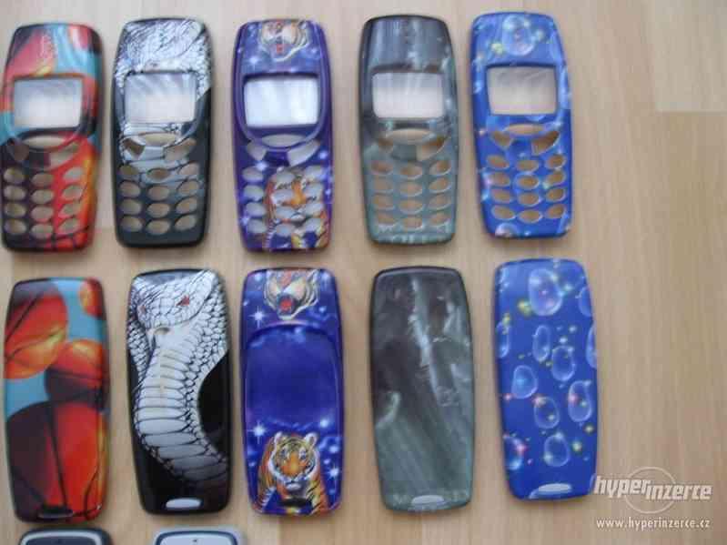 Nokia 3310 z r.2001 - kryty na mobilní telefon - foto 3