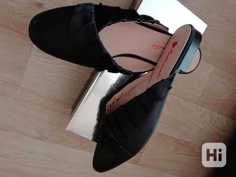 Pěkné nové pantofle vel. 38 - foto 1