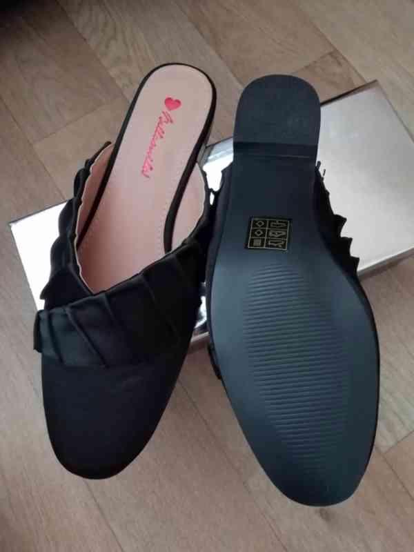 Pěkné nové pantofle vel. 38 - foto 4