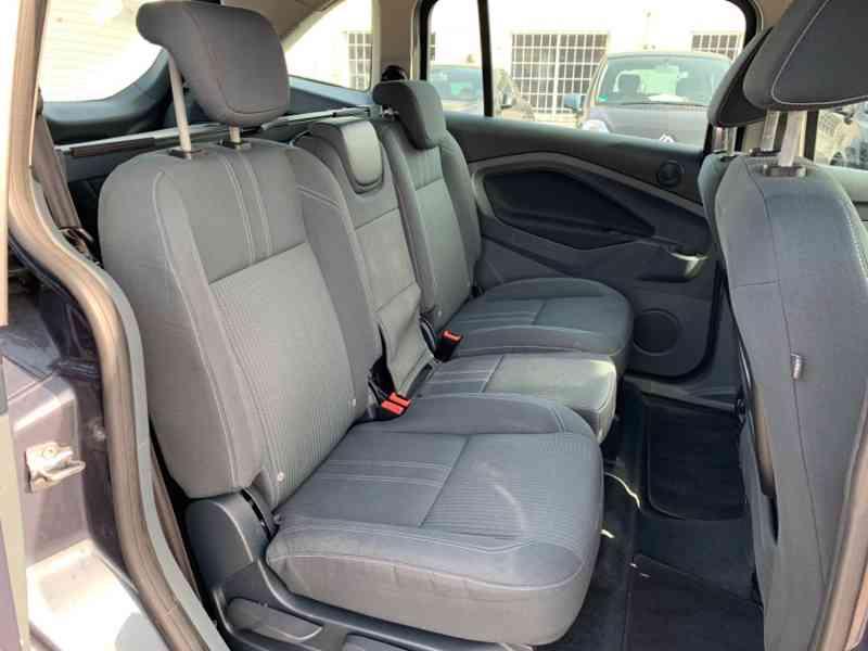 Ford Grand C-MAX 2.0 TDCi Titanium 120kW - foto 18