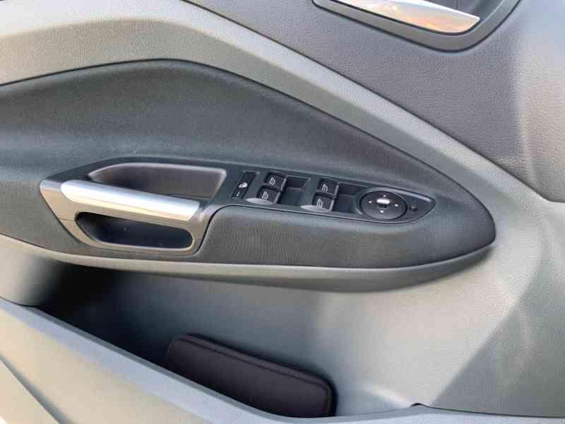 Ford Grand C-MAX 2.0 TDCi Titanium 120kW - foto 28