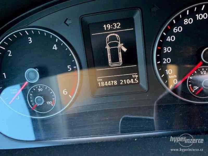 PRODÁM Volkswagen Touran 2.0 103 kW, DSG, parkovací asistent - foto 6