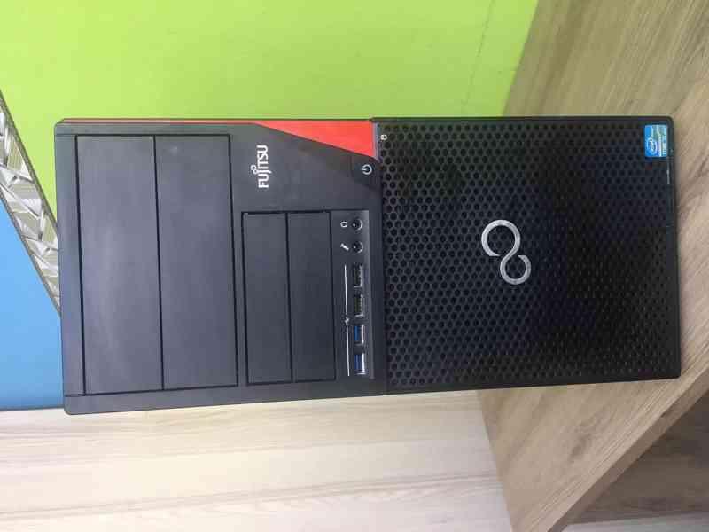 Počítač Fujistu  - foto 1