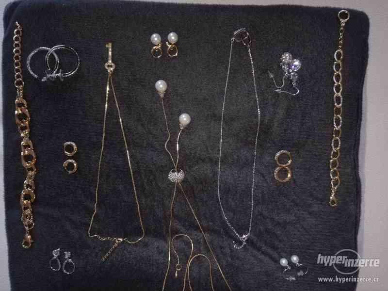 Bižuterie , náramek , žetízek , náušnice , náhrdelník