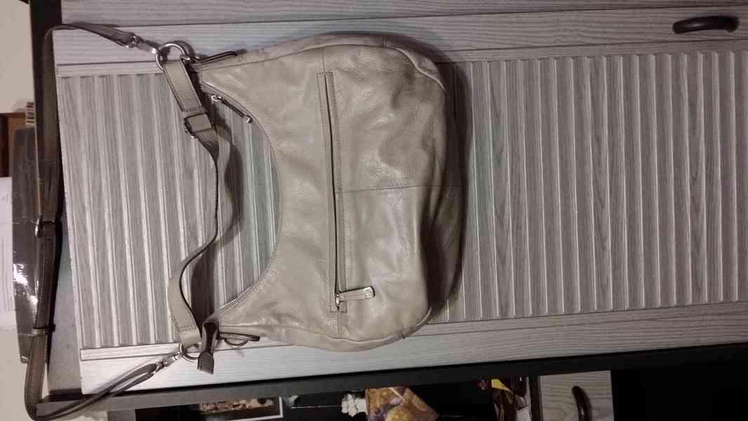 levně, značkové, používané  v  dobrém stavu dámské kabelky - foto 2