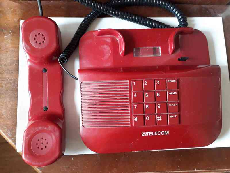 Stolní telefon SPT Telecom - retro  - foto 2