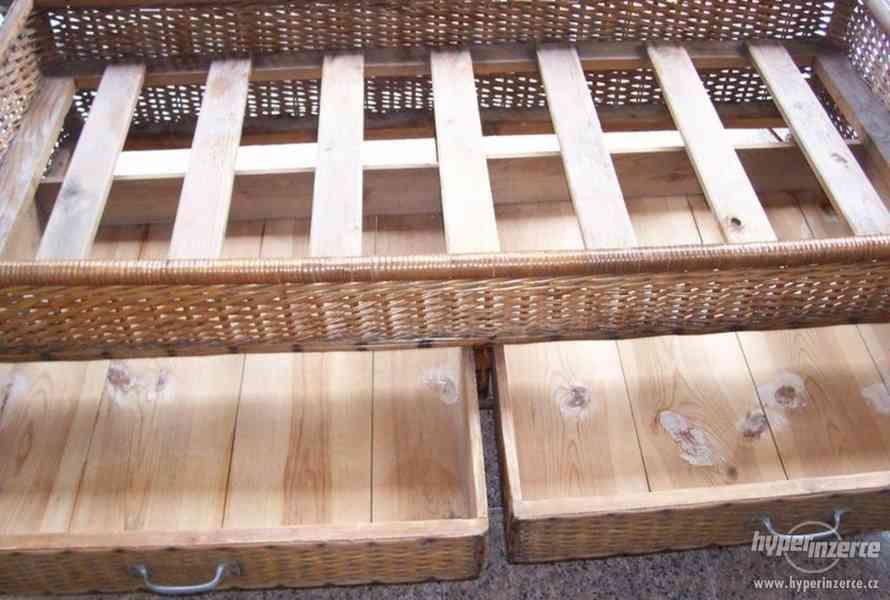 Prodám ratanovou starožitnou postel. - foto 2