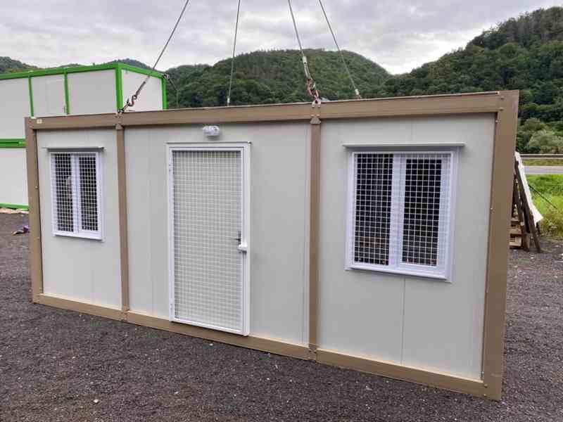 Obytná buňka 240x600 cm, včetně mříží na okna i dveře  - foto 2