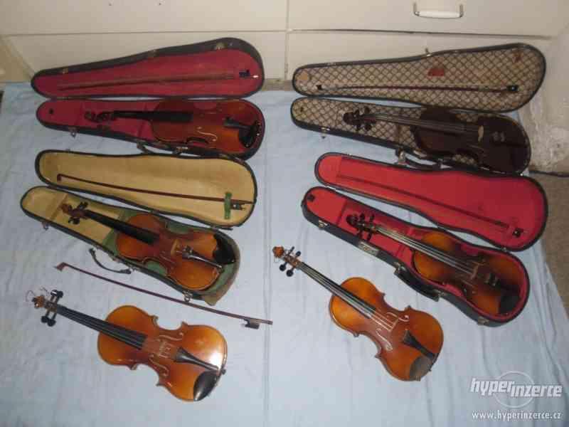 5 ks starých houslí