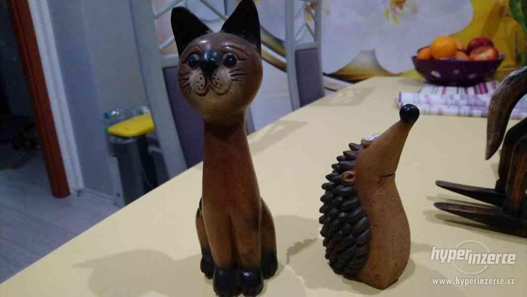 sbírka dřevěných figurek - foto 3