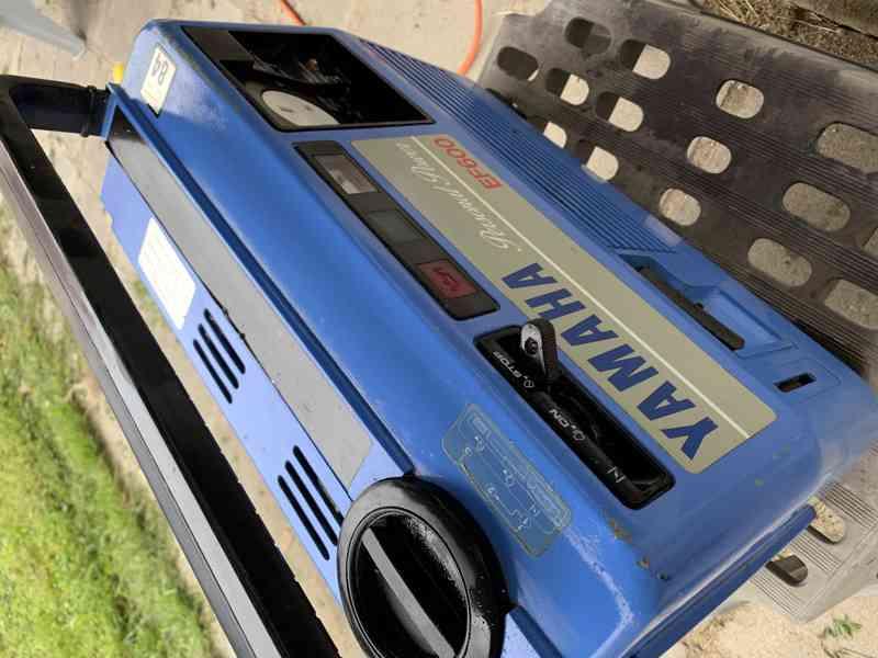 modry kufrikovy Yamaha tichy generator funguje - foto 2