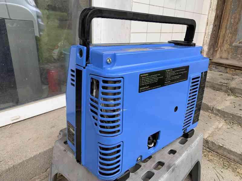 modry kufrikovy Yamaha tichy generator funguje - foto 3